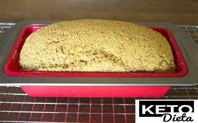 хлеб в форме с духовки